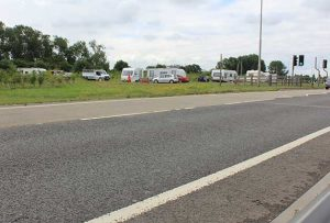 Travellers on the A16